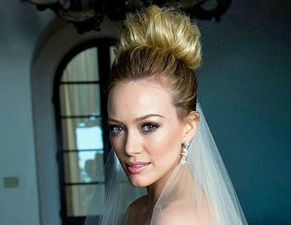 20 mod les de chignon haut pour une mari e la robe de mari e de mes r ves blog mariage - Chignon haut decoiffe ...