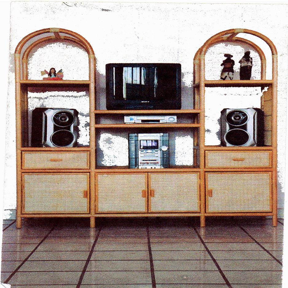 Muebles de madera de pino y ratt n - Muebles en madera de pino ...