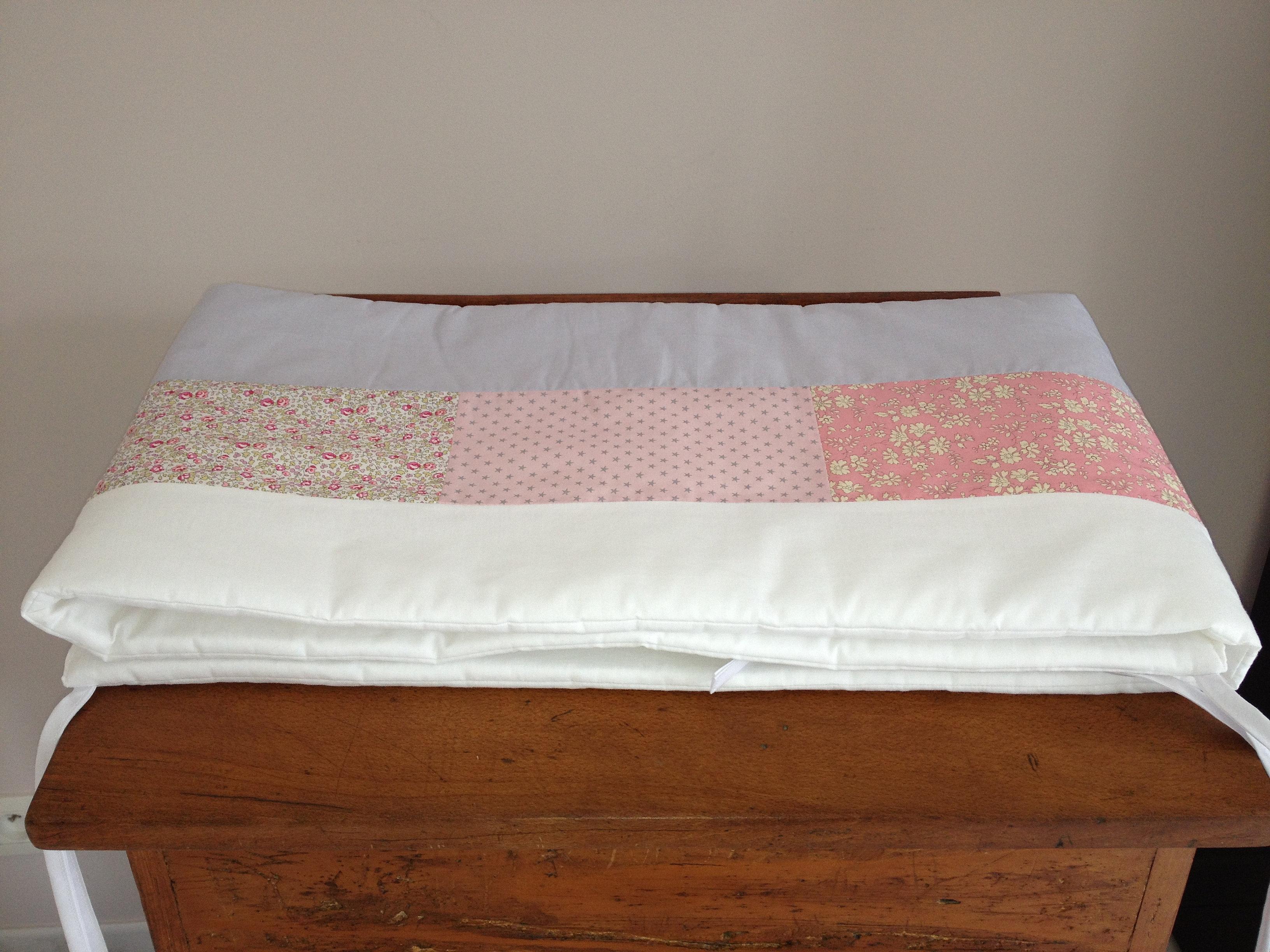 tour de lit liberty. Black Bedroom Furniture Sets. Home Design Ideas