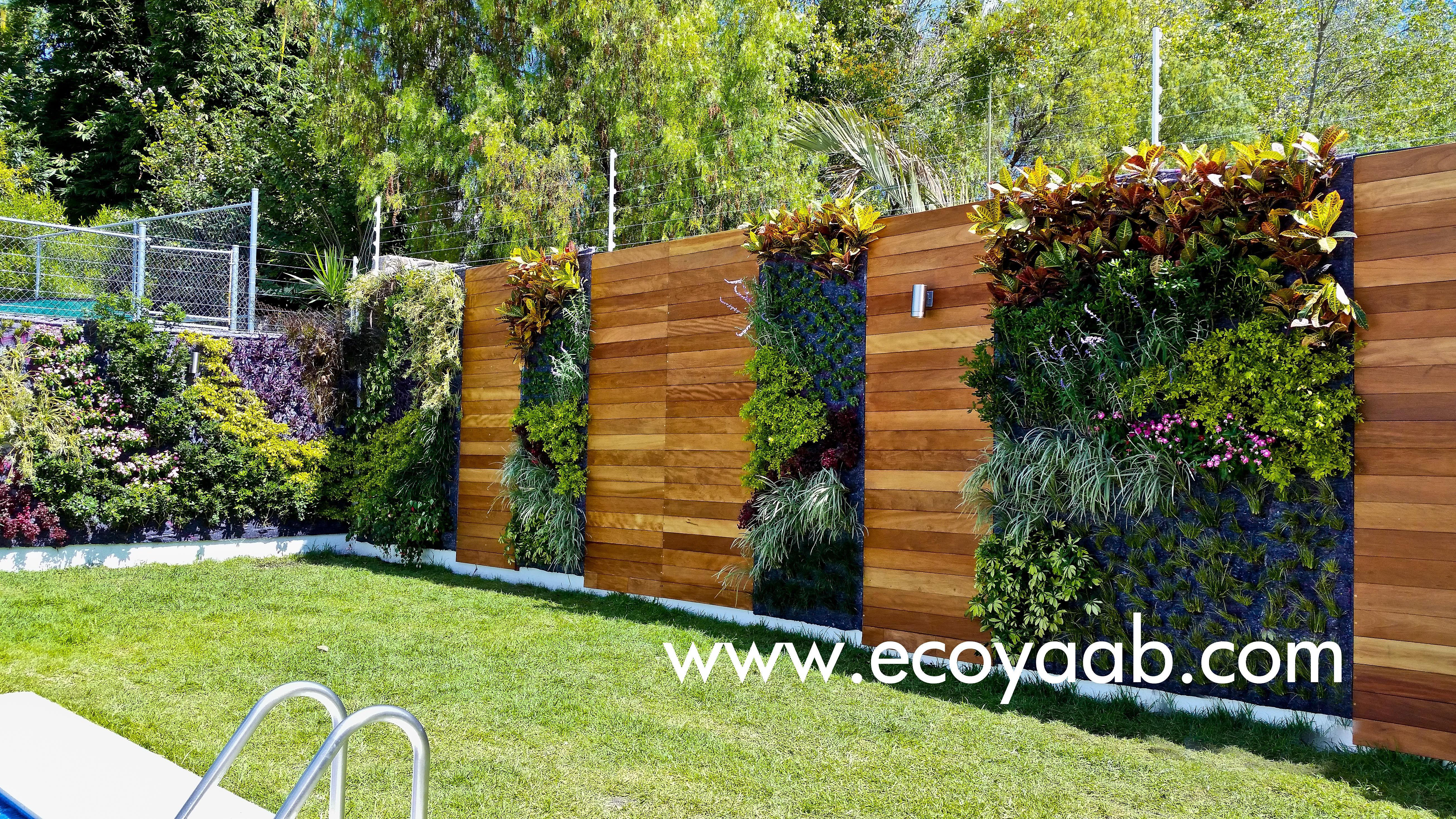 Fachadas con jardines verticales for Jardin verde