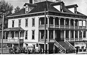 Aurora Colony Hotel 1900
