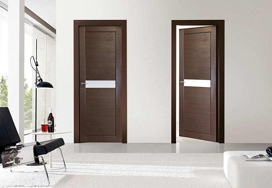 Двери венге в светлом интерьере фото
