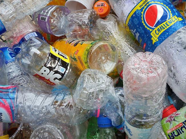 Botellas de plástico vacías