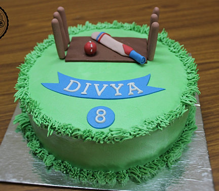 Cake Images With Name Divya : The Cricket Lover Themed Cake