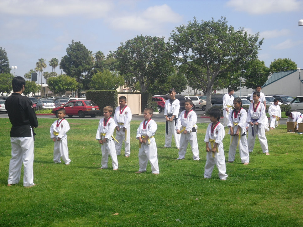 Moo star tae kwon do demo team 4 star cinemas garden grove ca