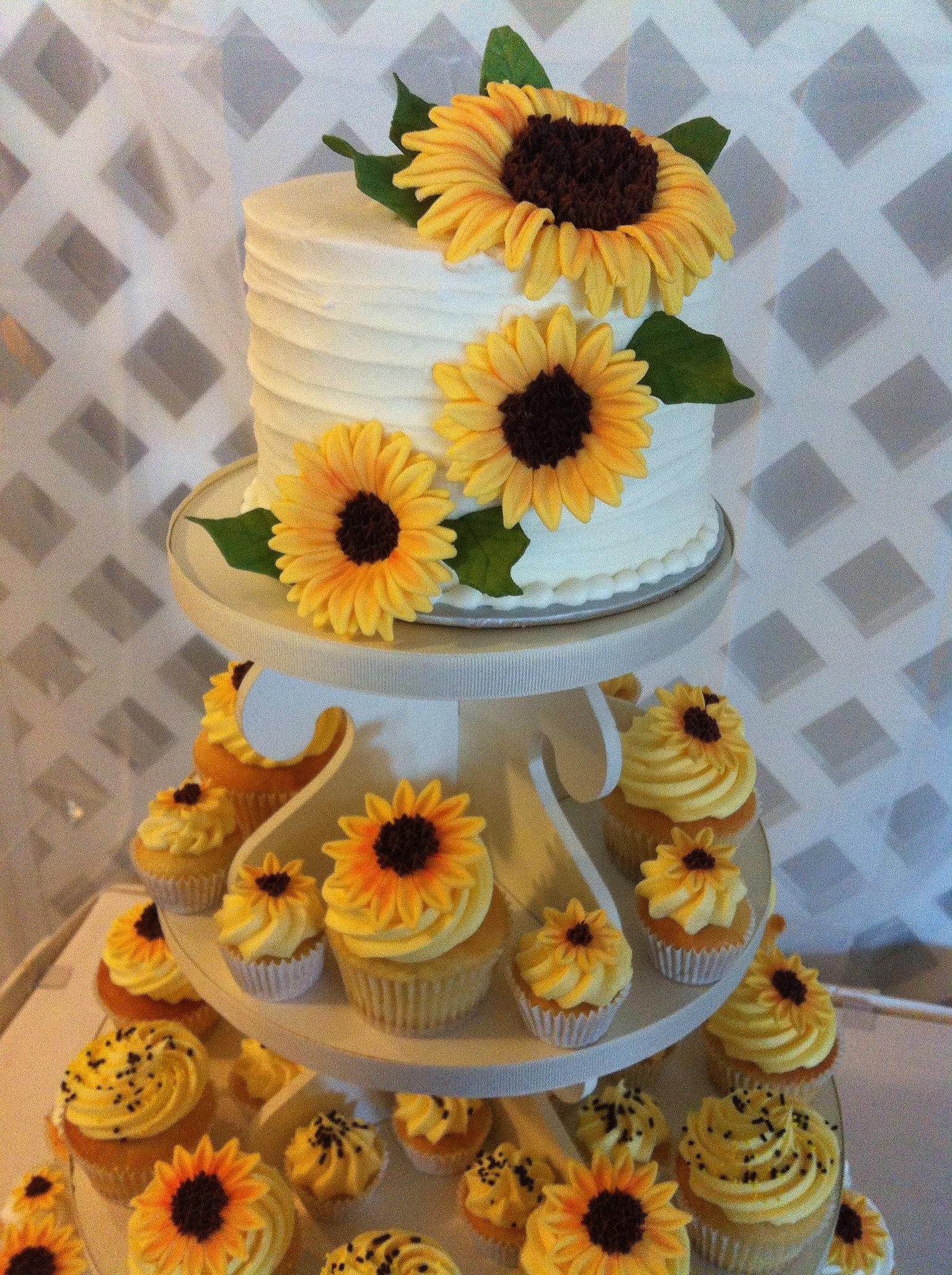 Sunflower cake & cupcakes