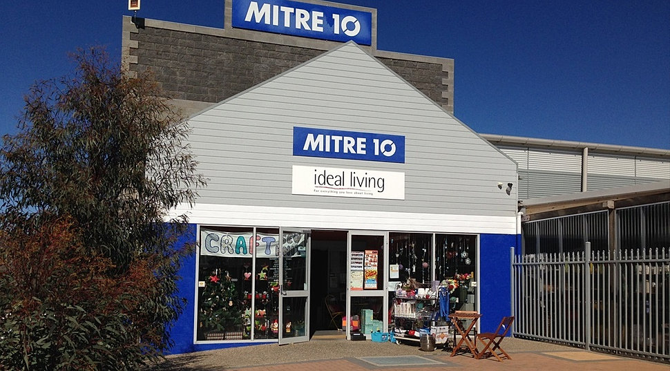 Jindabyne mitre 10 garden centre snowy mountains for Gardening tools mitre 10