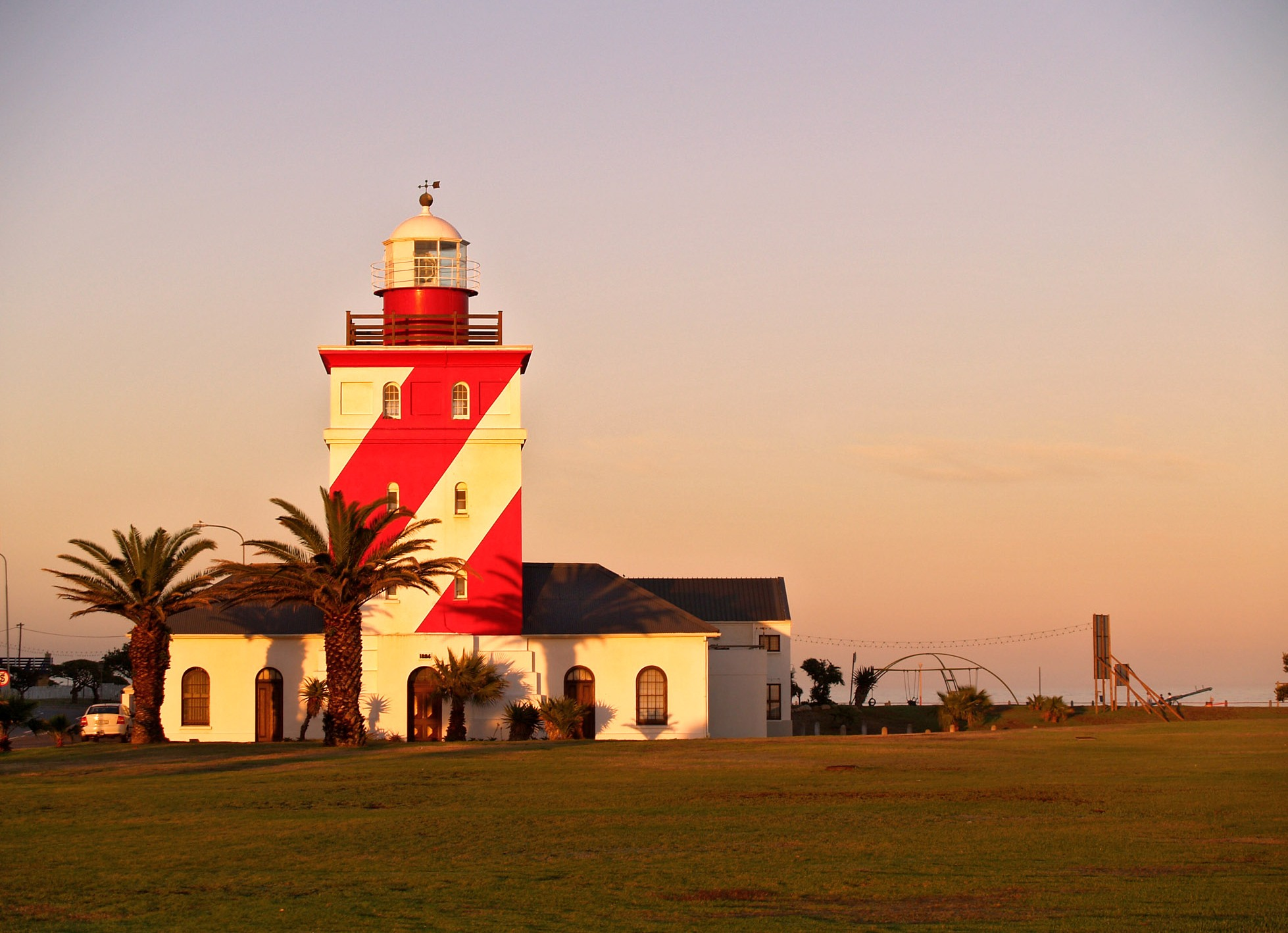 Holiday Accommodation Sea Point Cape Town The Light House