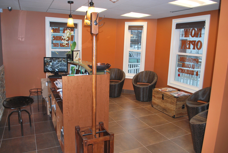 Salon mattheos waiting area for R b salon coimbatore
