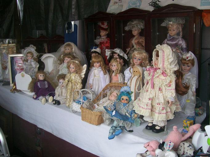 Joys Dolls.JPG