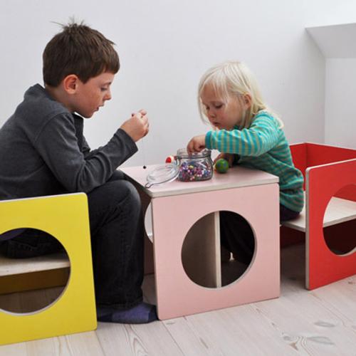 Small design børnemøbler l bord, stol, bænk, reol