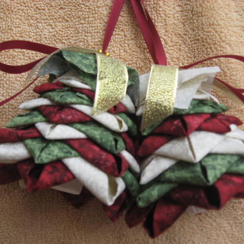 Patterns for No- Sew quilted ornaments and wall hangings.