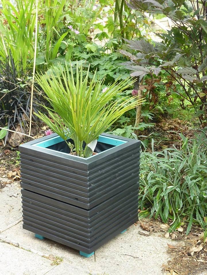 hotpotsandplanters   Small Square Box Planter