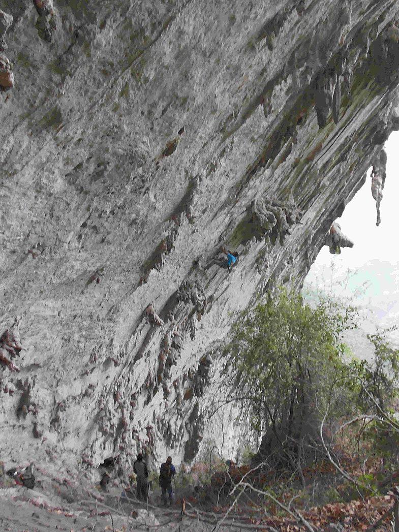 Bear Cave 040.JPG