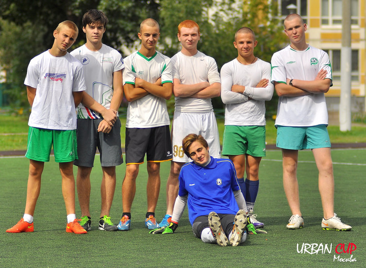 Футбольная команда дрючит черлидершу фото 264-697