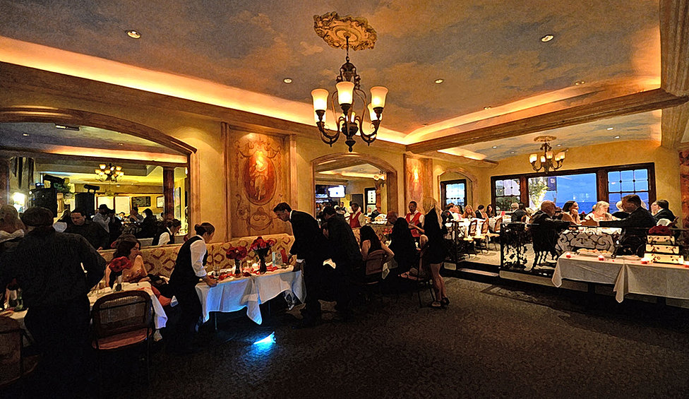 C Est La Vie Restaurant Laguna Beach Ca