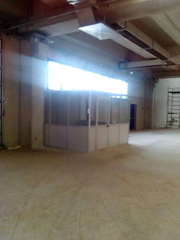 Produzione di pareti mobili, pareti divisorie, box ufficio e multiuso.