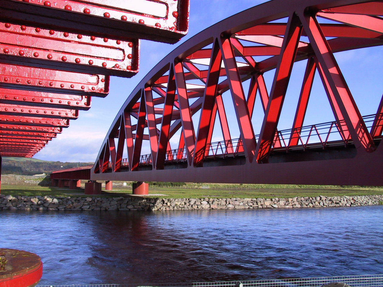 The Cantilevered Zigzag Bridge