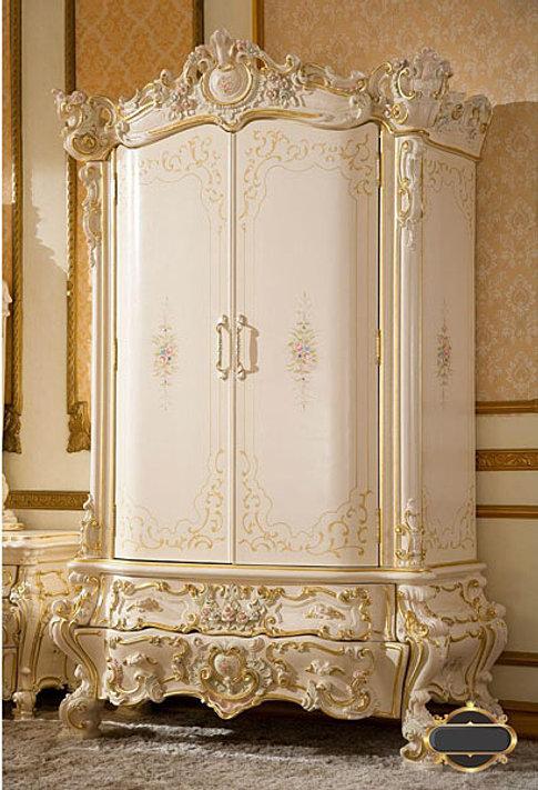 ตู้เสื้อผ้า Royal 2 ราคา 135,000 บาท