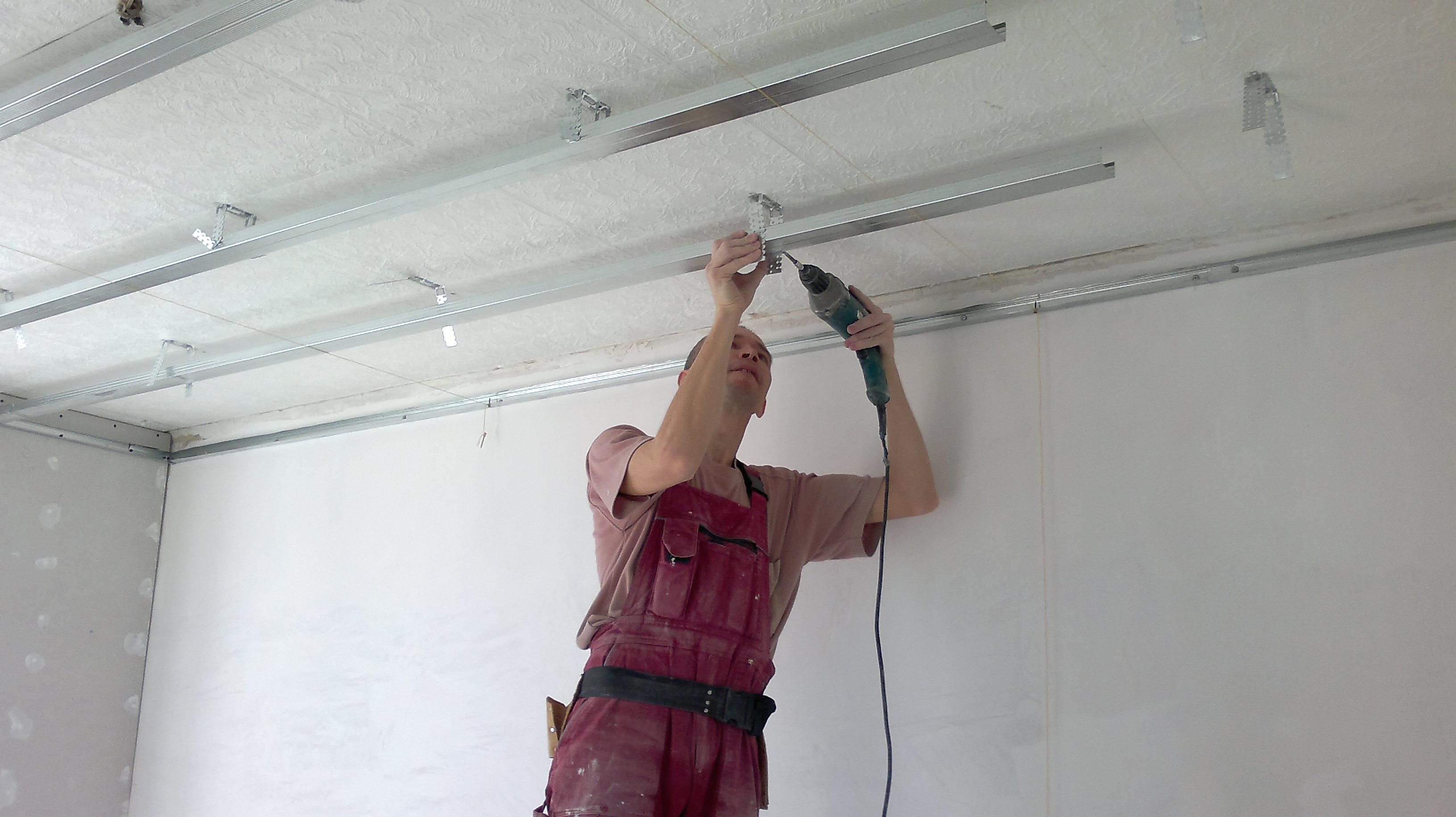 Ремонт квартиры потолка своими руками