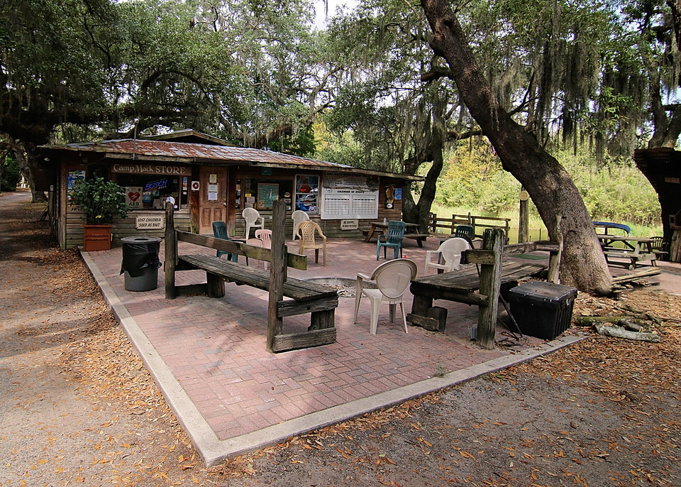 Camp mack 39 s river resort for Fish camps for sale in florida