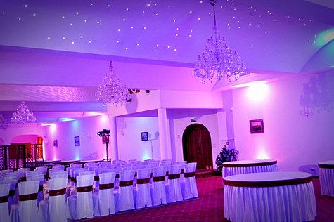 Dekoracja światłem sala weselna
