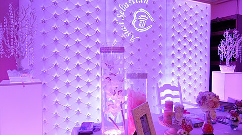 Pikowana ścianka w stylu  Glamour
