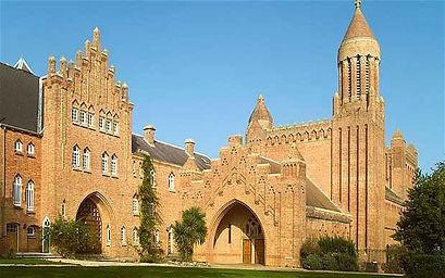 quar-abbey_1820462b.jpg