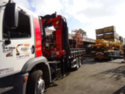 caminhões munck, guindastes, transporte de maquinas