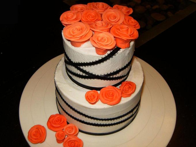 de mariage avec roses gâteau pour mariage deux étages recouvert de ...