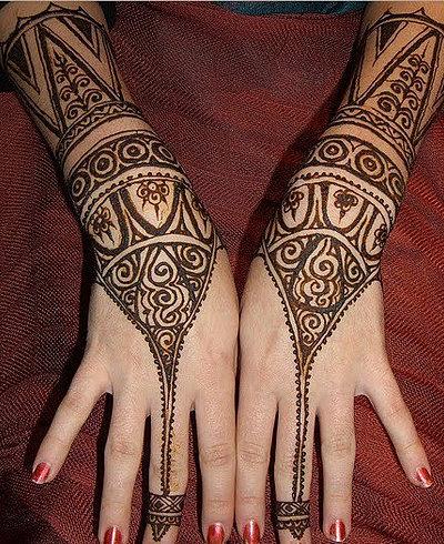 xăm vẽ henna