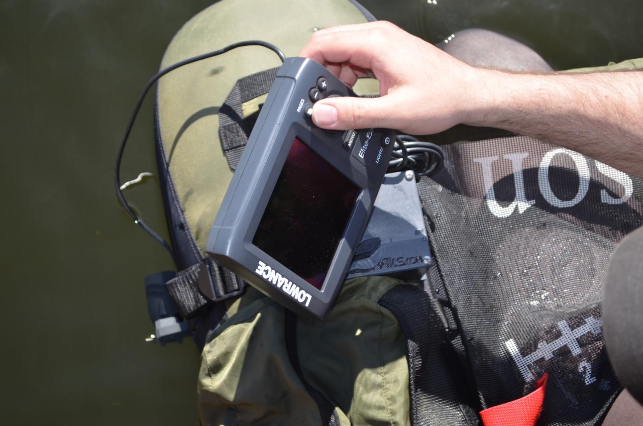 Fish finder mounts com caddis float tube fishfinder for Float tube fish finder