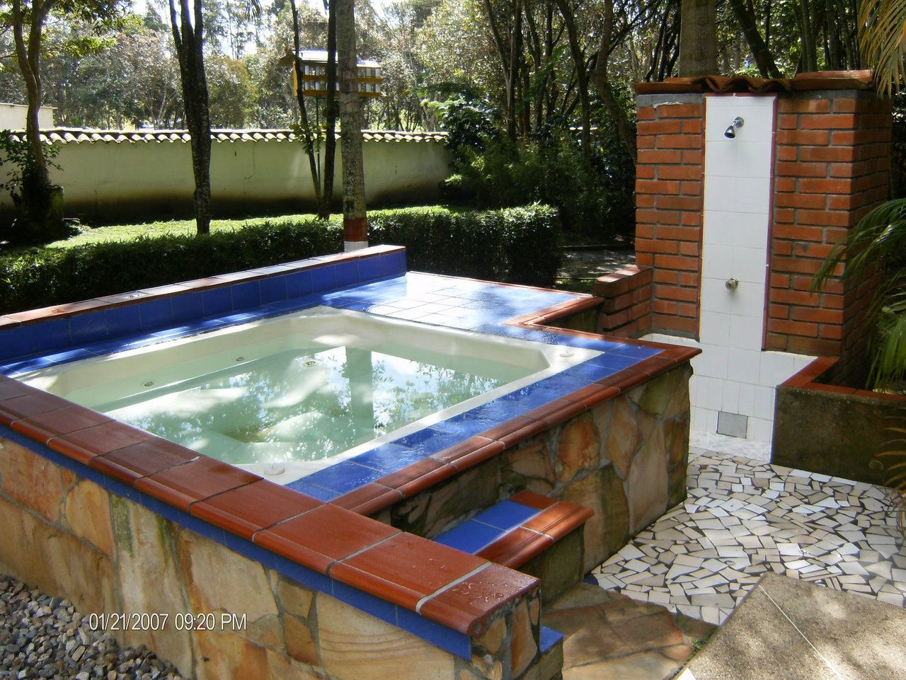 Campo de veraneo created by gabrield69 based on for Jacuzzi casero exterior