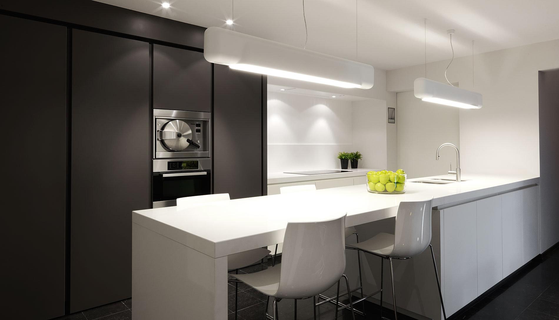 Moderne Keukens Gent : Keukens, badkamers en interieur. MP BUYL - Gent ...