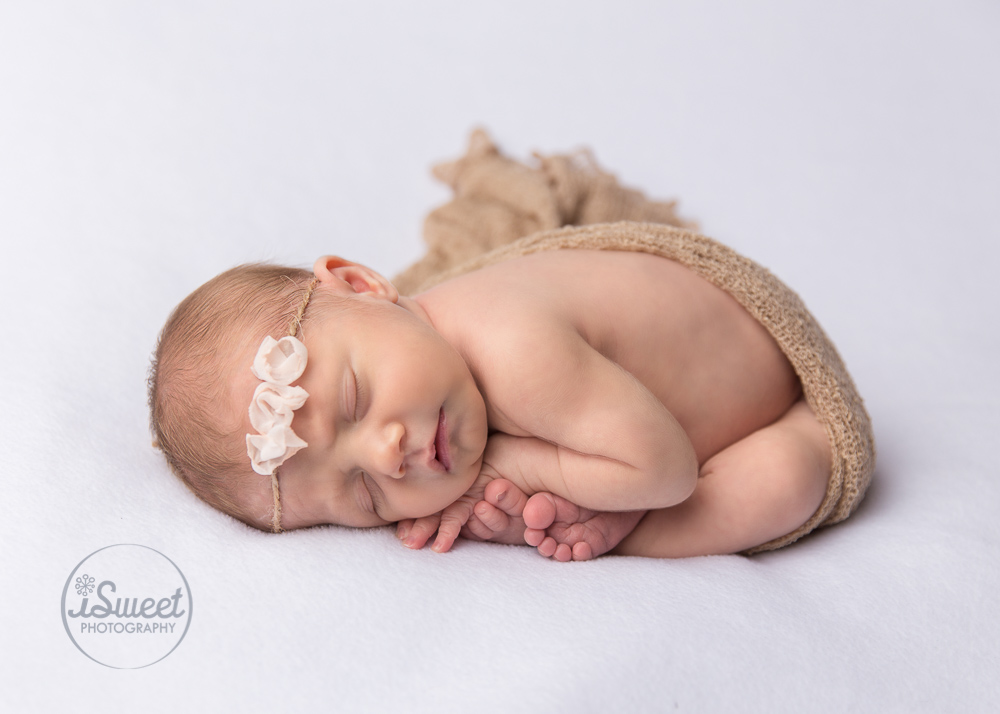 Isabel sweet is a newborn photographer in the boston area all sessions take place in the comfort of your own home interested in a baby session