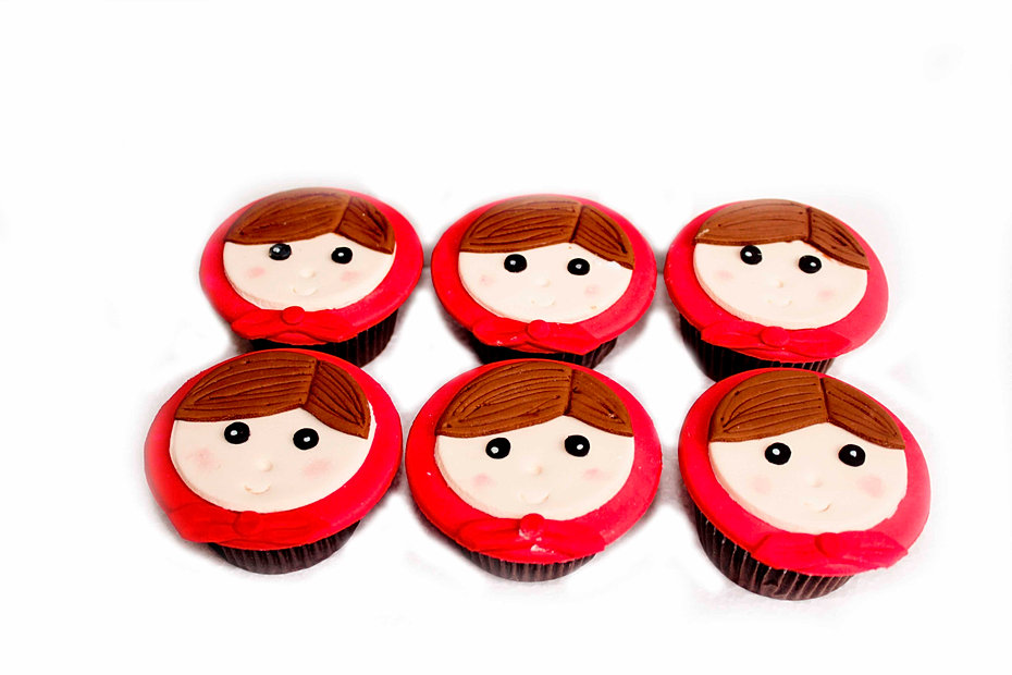 Little Red Riding Hood cupcakes