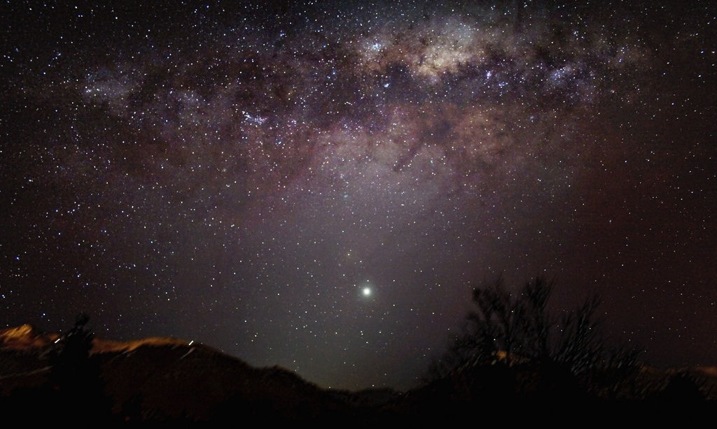 milky-way-and-venus-over-cordillera-de-los-andes-by-guillermo-abramson.jpg