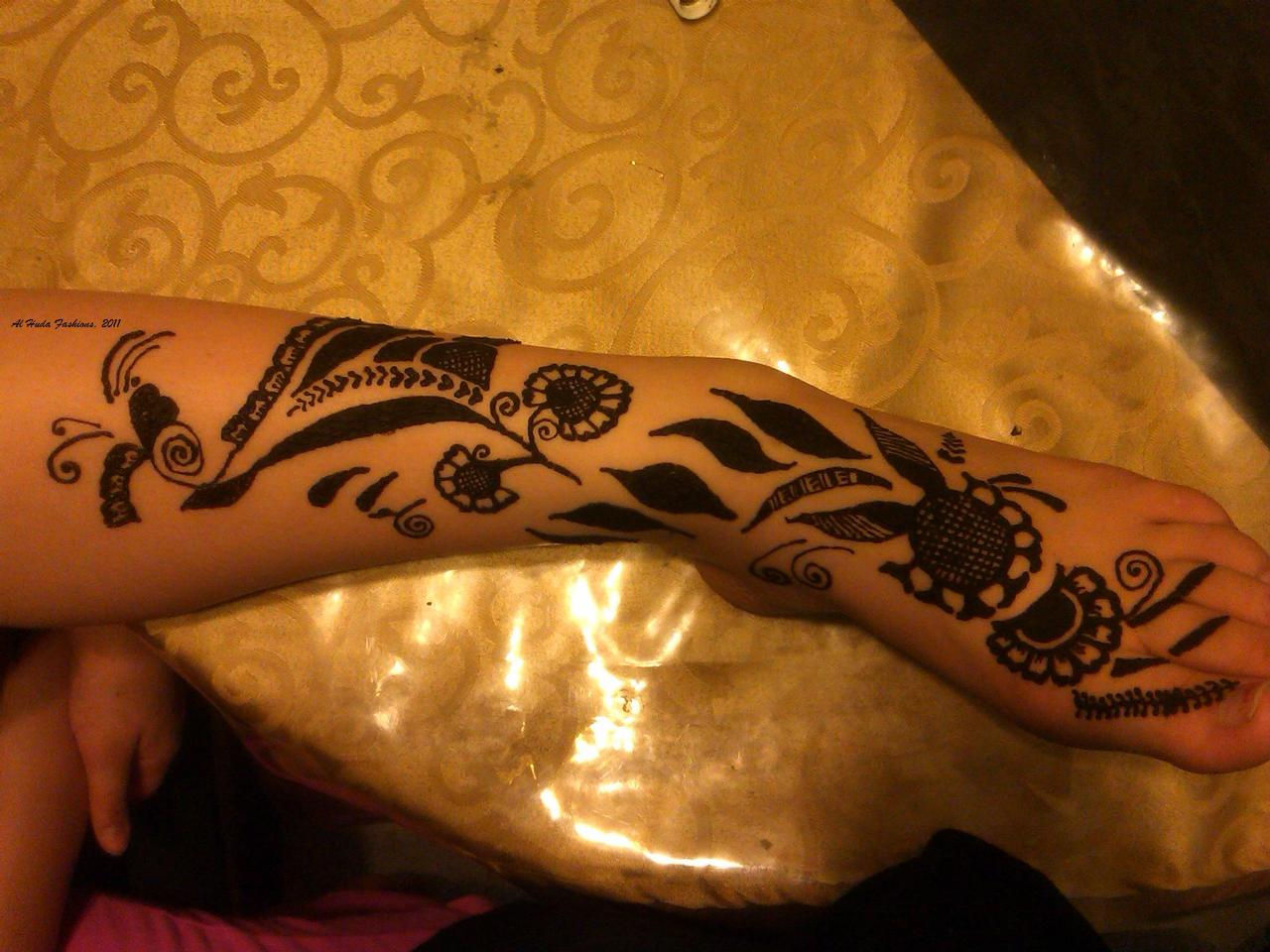 Henna artist reading for Tattoos in reading pa