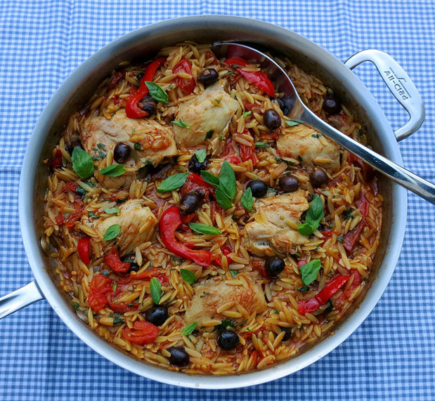 Orzo pasta, chicken, tomatoes, olives and peppers | Lydia Gerratt