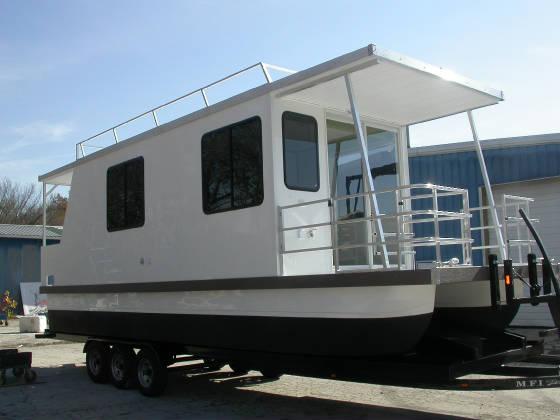 Catamaran Cruisers Houseboats Aqua Lodges Lil Hobo