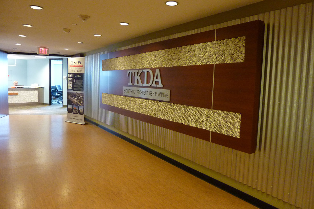 Sonja carlson interior design portfolio tkda corporate for Interior design ideas for main door