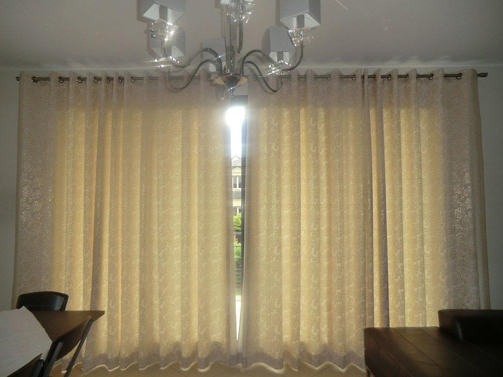 anne tapissiere bry sur marne confection de rideaux sur mesure doubles rideaux doubl s. Black Bedroom Furniture Sets. Home Design Ideas