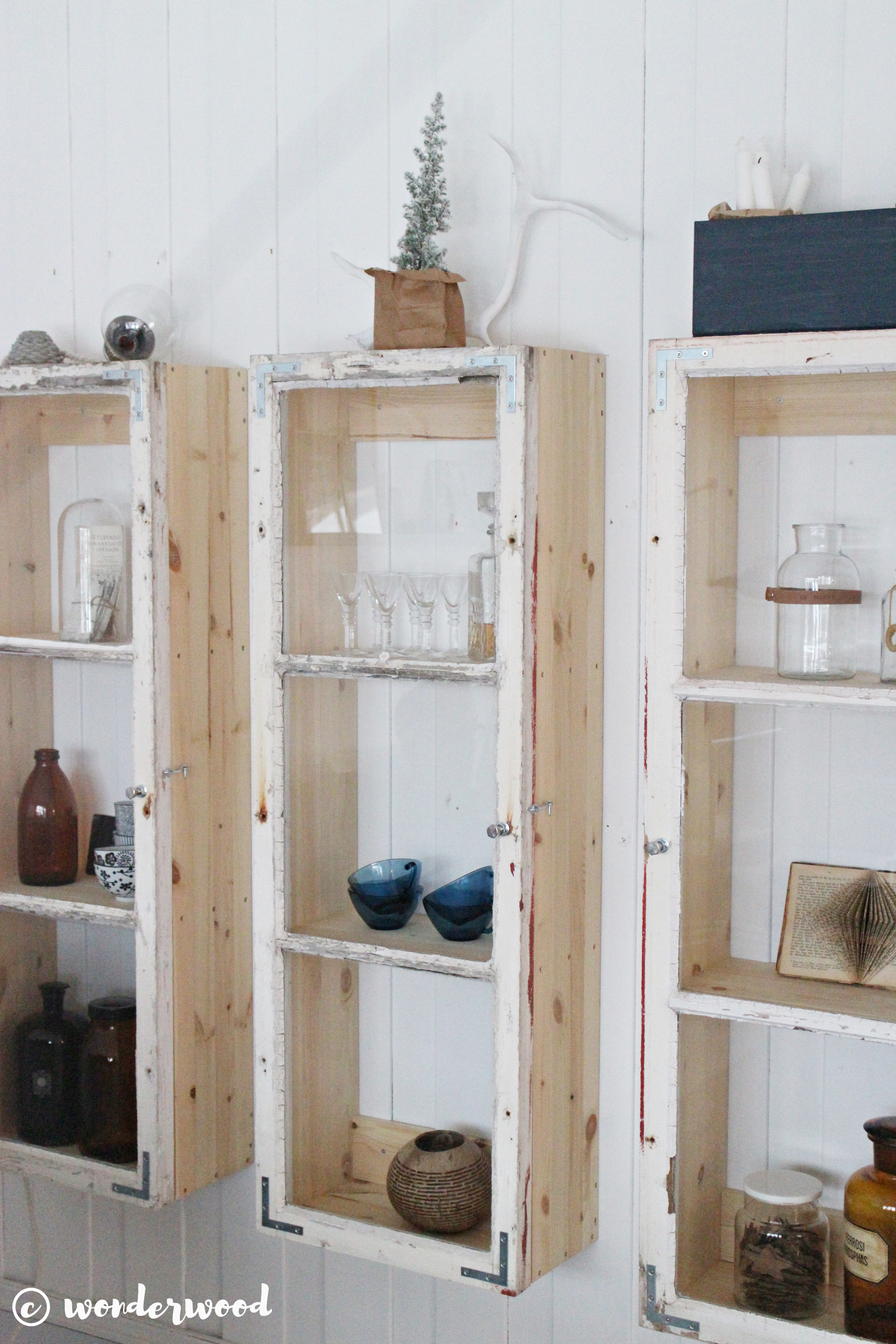 diy skap av gamle vinduer // diy old window cabinets