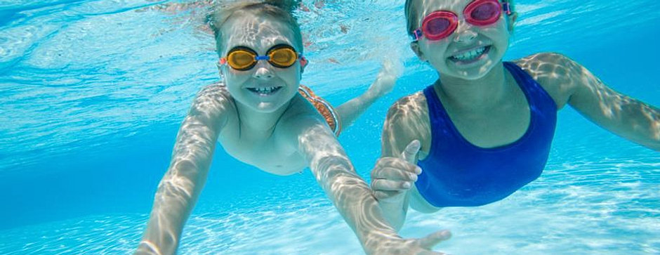 a narrative of swimming classes A sample narrative essay how i learnt swimming click here for further learns how glossary with definitions of various rhetorical learns is.