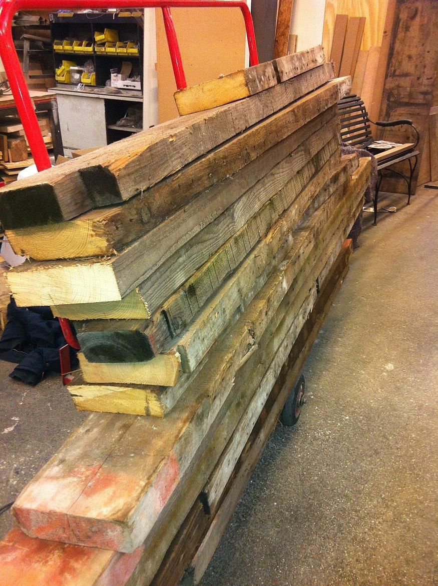Hout behang bruin - Keuken steen en hout ...
