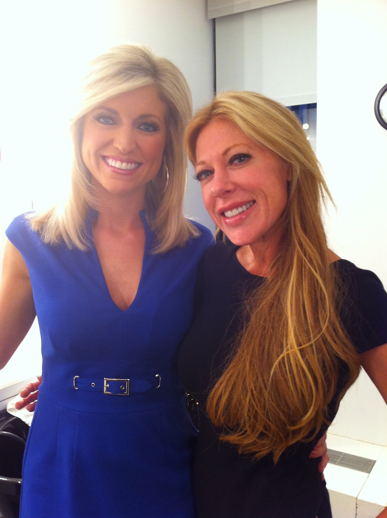 Aliciahunter1 with ainsley earhardt of fox news