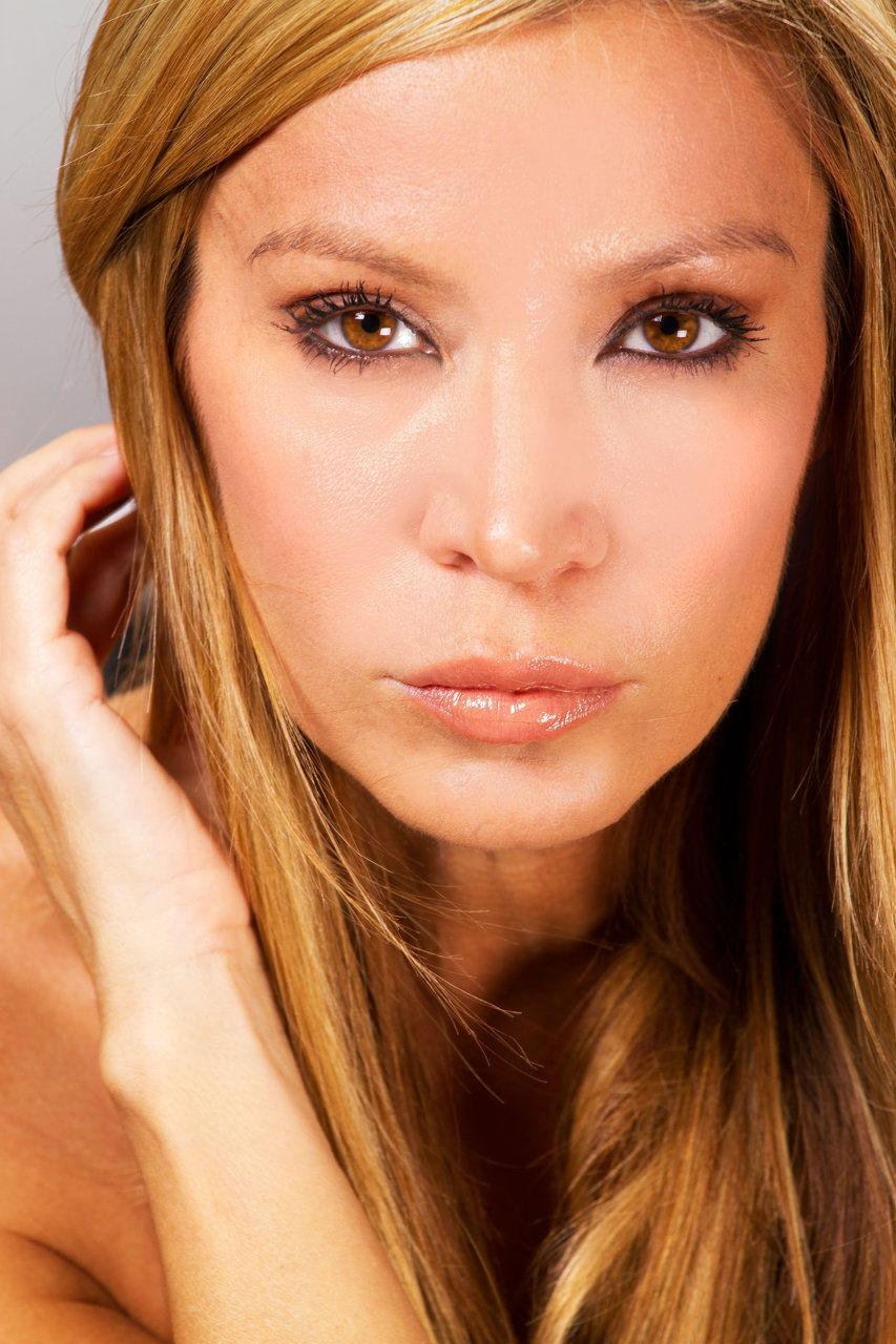 Cynthia Pinot nude photos 2019