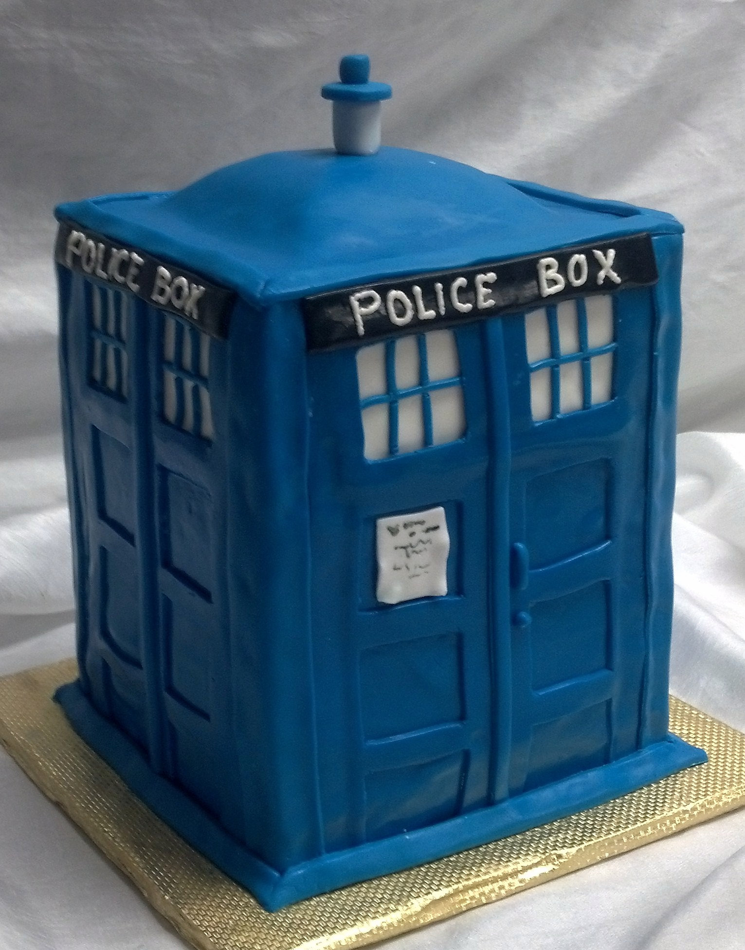 What Is A Tardis Cake