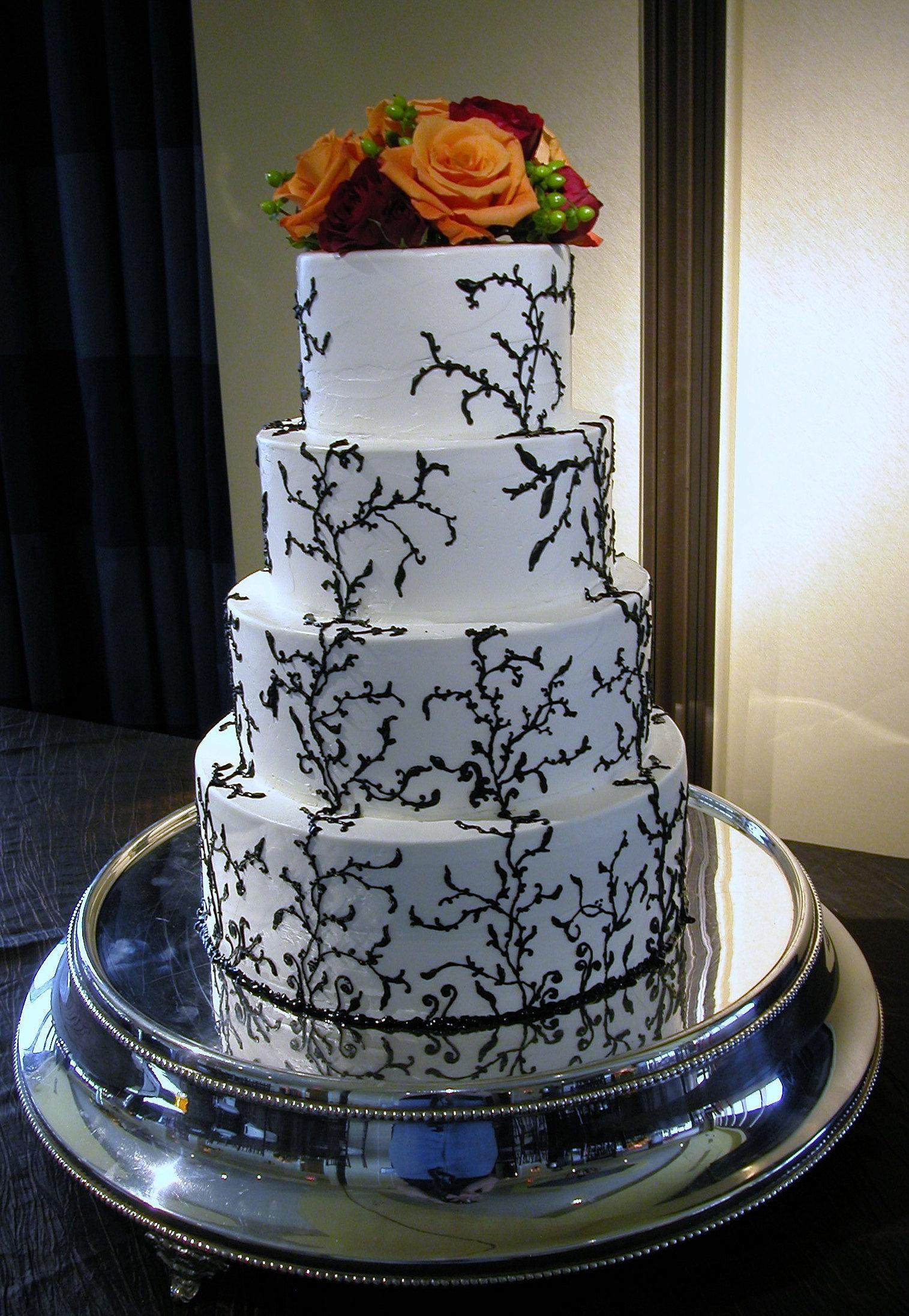 Incredible Endings Cincinnati Wedding Cakes N Kentucky