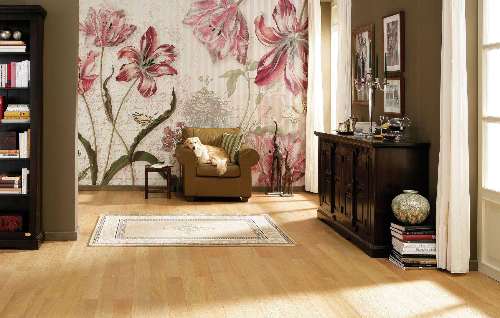 фотообои на стену цветы фото в интерьере